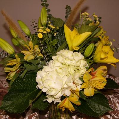 medium floral arrangements Utah